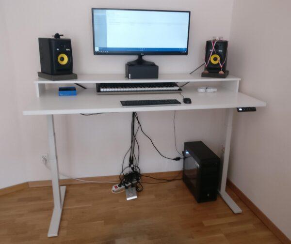 biurko z nadstawka